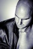 Homme dans la veste en cuir Photographie stock libre de droits