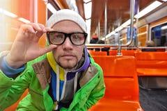 Homme dans le chariot du souterrain Image libre de droits