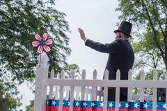 Homme dans le costume d'Abraham Lincoln Image stock