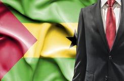 Homme dans le costume du Sao-Tomé-et-Principe image libre de droits