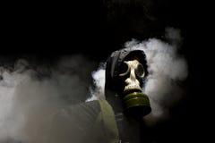 Homme dans le gasmask Images libres de droits