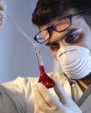 Homme dans le laboratoire Photo stock