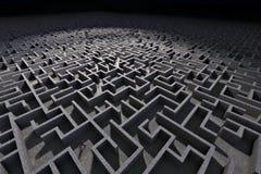 Homme dans le labyrinthe Photos libres de droits