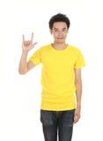 Homme dans le T-shirt avec le signe de main je t'aime Photographie stock