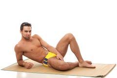 Homme dans les vêtements de bain Photographie stock libre de droits
