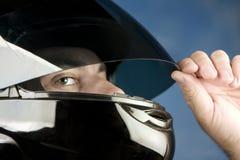 Homme dans un casque de moto Photo libre de droits