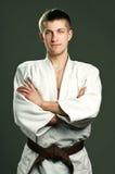 Homme dans un kimono blanc images libres de droits