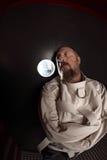 Homme dans une camisole de force photo libre de droits