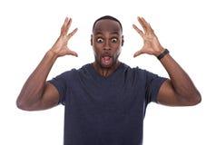 Homme de couleur bel choqué avec l'excitation image libre de droits