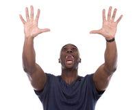 Homme de couleur bel criant avec l'excitation photos stock