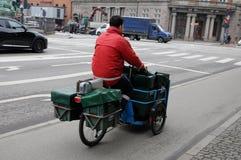 Homme de courrier de postnord Photo libre de droits
