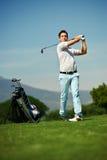 Homme de golf de tir d'approche Photos stock