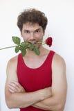 homme de Moyen-âge utilisant la chemise rouge Photo libre de droits