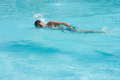 Homme de natation Photo stock