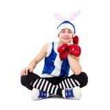 Homme de Noël dans le chapeau bleu de Santa avec des coeurs Photo stock
