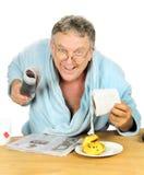 Homme de rouleau de papier hygiénique Photos libres de droits