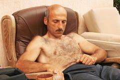 Homme de sommeil Photo libre de droits