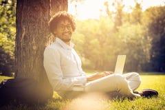 Homme de sourire d'affaires photographie stock libre de droits