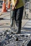 Homme de travail avec le Jackhammer Images libres de droits