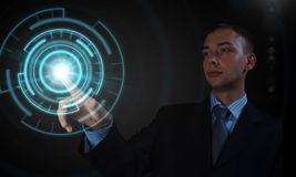 Homme employant des technologies modernes photo libre de droits