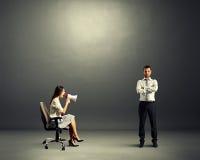 Homme et femme émotive fâchée Images stock