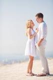 Homme et femme d'étreinte Photographie stock libre de droits