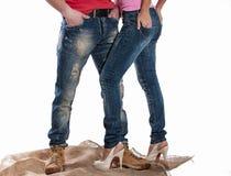 Homme et femme dans des jeans Images stock