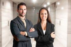 Homme et femme occasionnels d'affaires Images libres de droits