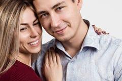 Homme et femme Portrait d'un beau couple hétérosexuel Photo stock