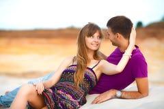 Homme et femme sur la plage Photos stock