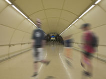Homme et femme sur le souterrain Photos libres de droits