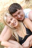 Homme et fille d'amour photographie stock libre de droits