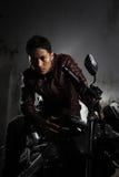 Homme et moto Photographie stock libre de droits