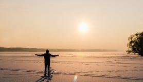 Homme et Sun Photographie stock libre de droits