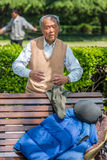 Homme exerçant la porcelaine de Changhaï de méditation Photographie stock libre de droits