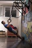 Homme faisant l'exercice de plongement Image libre de droits