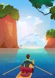 Homme flottant dans le bateau dans le concept de vacances d'aventure d'été de lac mountains Photo libre de droits