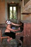 Homme fol dans une maison de fous en Italie Photos libres de droits
