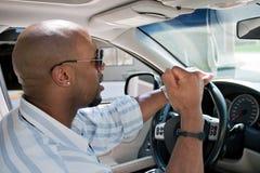 Homme frustrant avec fureur de route image stock