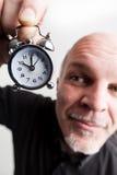 Homme grand-angulaire de plan rapproché avec le dépassement de temps Photo libre de droits
