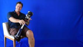 Homme handicapé sans préjudices banque de vidéos