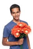 Homme heureux avec des fleurs Images libres de droits