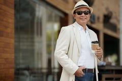 Homme heureux avec du café Image libre de droits