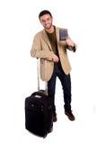 Homme heureux jugeant le passeport d'isolement sur le fond blanc Photos libres de droits