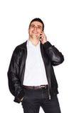 Homme heureux parlant au téléphone portable photos libres de droits