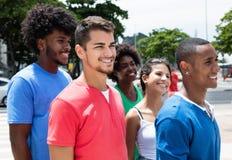 Homme hispanique avec des types de latin et d'afro-américain et de Caucasien Photo libre de droits