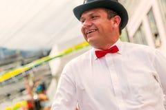 Homme hispanique politique de la danse de l'Equateur sur la rue Photos stock