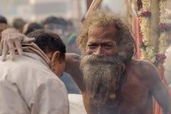 Homme indien de bénédiction de sadhu Images stock