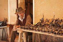 Homme indigène non identifié de Yampara avec l'habillement et le chapeau traditionnels, sur le marché local de Tarabuco dimanche, Photographie stock libre de droits