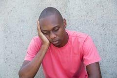 Homme inquiété d'afro-américain photographie stock